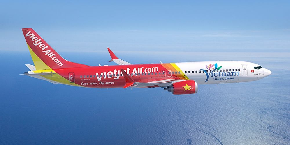 WorldTrans will cooperate with domestic travel companies to operate charter flights between the Vietnamese and Thai cities. The first flight carrying 180 passengers departed from Can Tho to Bangkok on June 6 morning by Airbus 320 of Thai Vietjet Air, a Thai low-cost airline and an associate company of Vietjet Air.