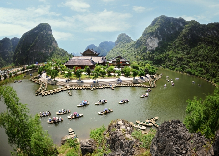Trang An landscape complex – a world natural heritage in the northern province of Ninh Binh is often called the 'Ha Long Bay on land' and has 100 beautiful karst caves.