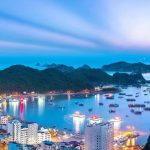 Hai Phong (VNA) – After the sea-crossing bridge of Tan Vu – Lach Huyen opened on September 2, 2017, tourist arrivals in Cat Ba island district of northern Hai Phong city surged by 150 percent year on year from then to May 2018. In the first half of this year, Cat Ba Island welcomed more than 1.5 million visitors. Holidaymakers arrived even in the winter, said Vu Tien Lap – head of the culture, sports and tourism division of Cat Hai district.