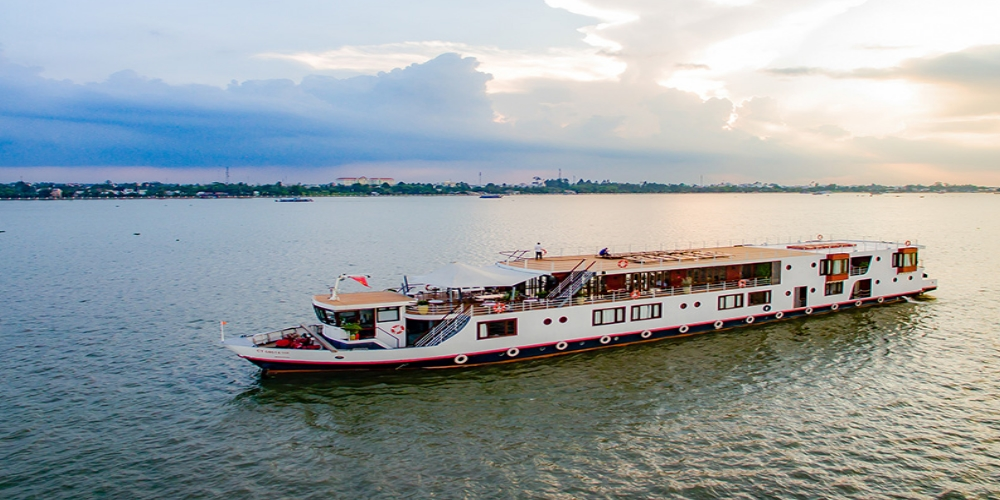 Mekong river cruises. Vessel Mekong Eyes Explorer